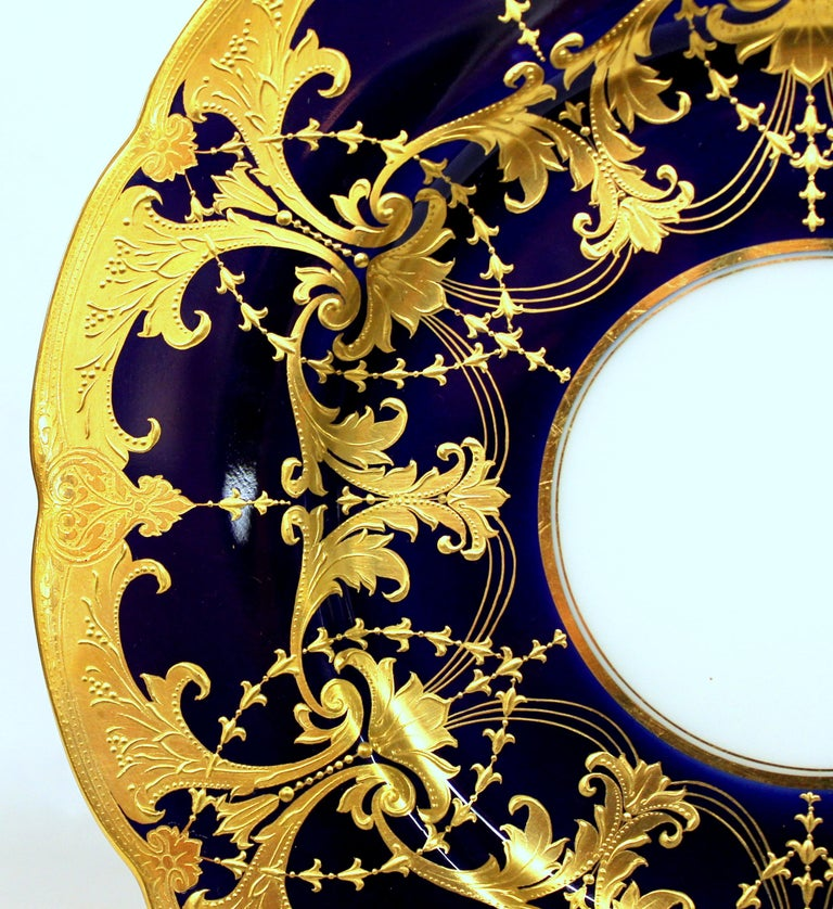 Pair of Old Minton Hand Gilt and Cobalt Porcelain Cabinet Plates For Sale 4