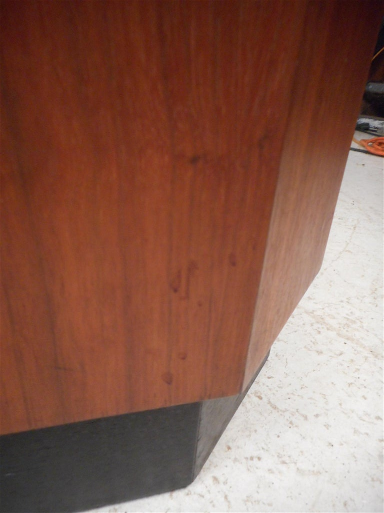 Pair of Petite Midcentury Slate Top Tables after Fred Kemp For Sale 7