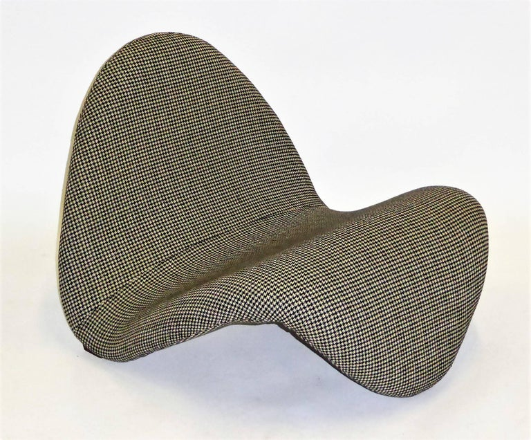 Pair of Pierre Paulin Space Age Tongue Chairs for Artifort 1960s in Houndstooth For Sale 5