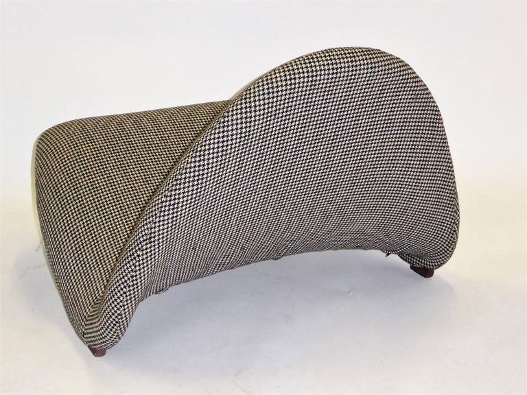 Pair of Pierre Paulin Space Age Tongue Chairs for Artifort 1960s in Houndstooth For Sale 7