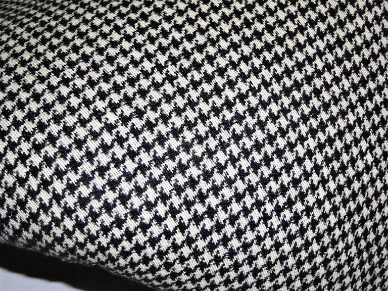 Pair of Pierre Paulin Space Age Tongue Chairs for Artifort 1960s in Houndstooth In Excellent Condition For Sale In Miami, FL