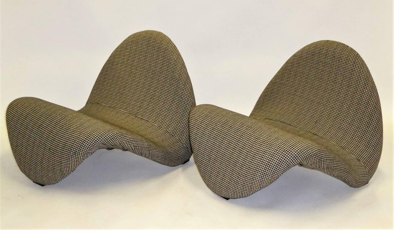 Pair of Pierre Paulin Space Age Tongue Chairs for Artifort 1960s in Houndstooth For Sale 2