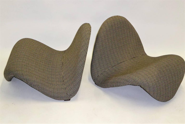 Pair of Pierre Paulin Space Age Tongue Chairs for Artifort 1960s in Houndstooth For Sale 3