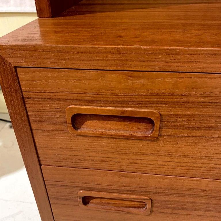 Scandinavian Modern Poul Hundevad Danish Modern Teak Bookcase Shelves, 4-Drawer Chest base For Sale
