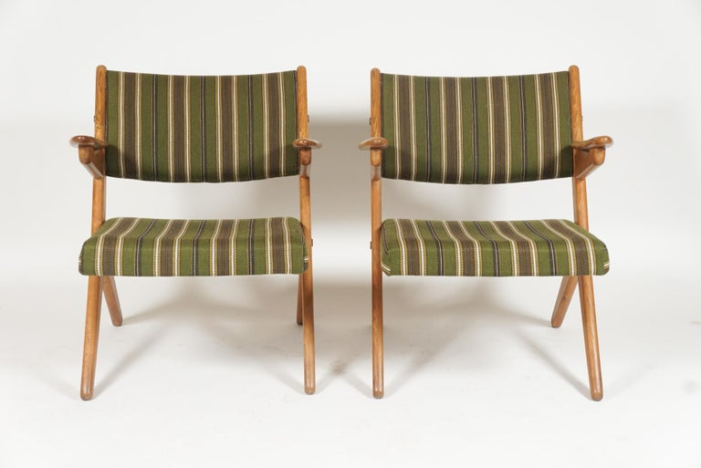 Swedish Scandinavian Modern Scissor or Sawbuck Armchairs in Manner of Hans Wegner, Pair For Sale