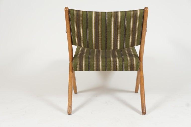 Scandinavian Modern Scissor or Sawbuck Armchairs in Manner of Hans Wegner, Pair For Sale 1