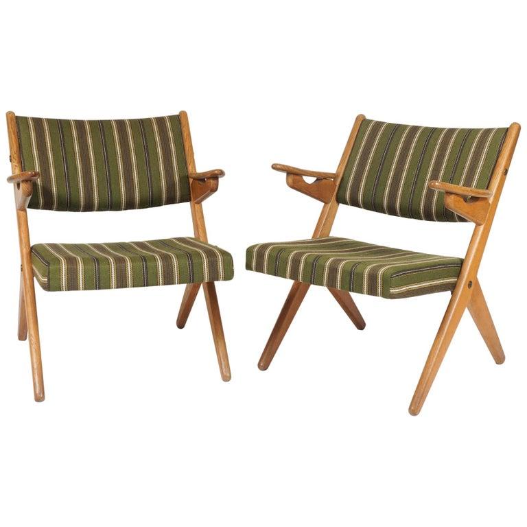 Scandinavian Modern Scissor or Sawbuck Armchairs in Manner of Hans Wegner, Pair For Sale