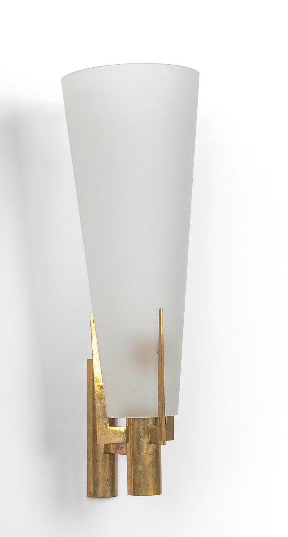 Frosted Pair of Stilnovo Model 2021 Sconces For Sale