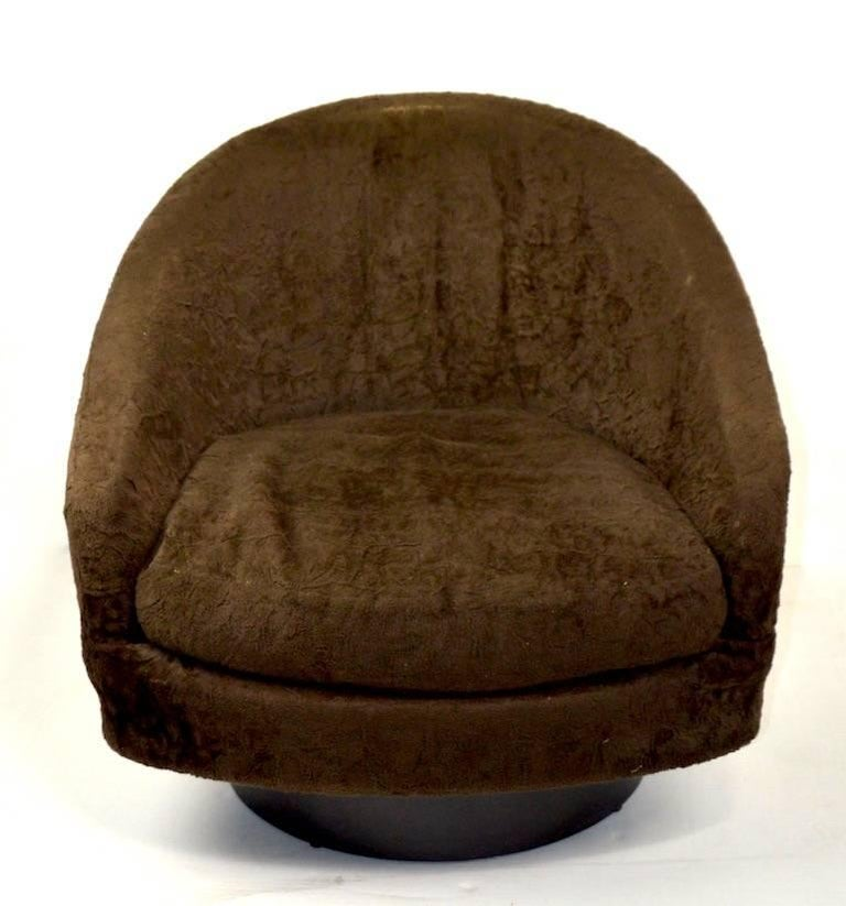 American Pair of Swivel Chair by Baughman for Lane For Sale