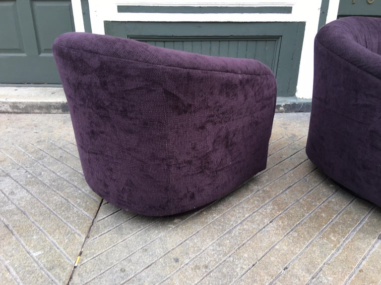 Pair of Swivel or Rocking Barrel Chairs in the Manner of Milo Baughman In Good Condition For Sale In Philadelphia, PA