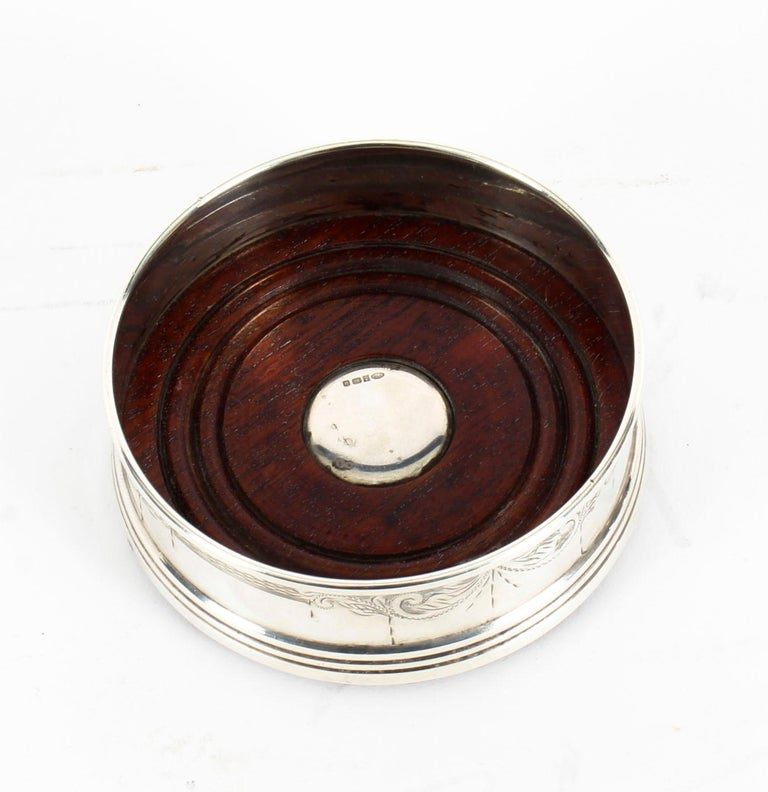 Late 20th Century Pair of Vintage Circular Sterling Silver Coasters, Birmingham, 20th Century For Sale