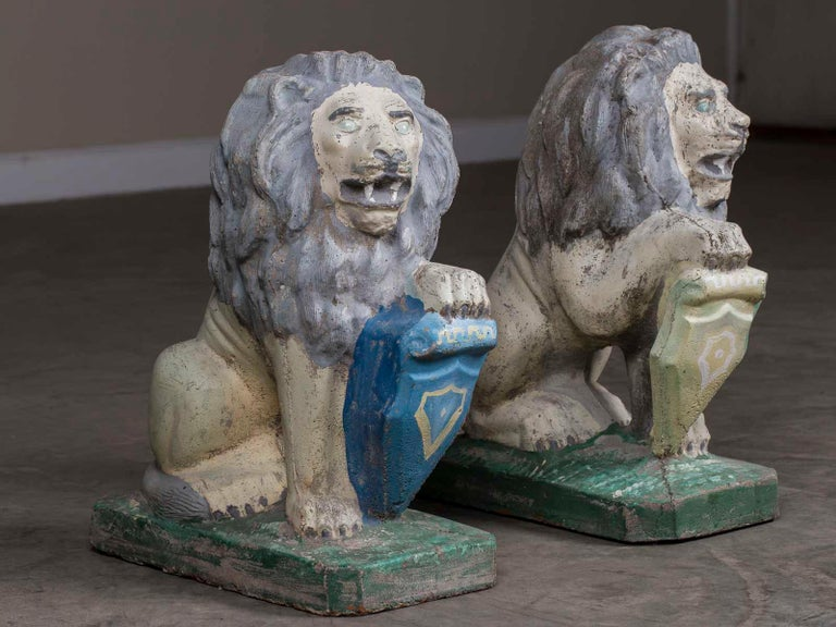 Pair of Vintage English French Garden Ornament Cast Stone Lions, circa 1930 For Sale 2
