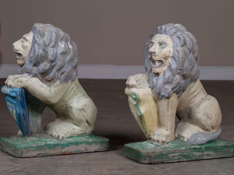 Pair of Vintage English French Garden Ornament Cast Stone Lions, circa 1930 For Sale 4