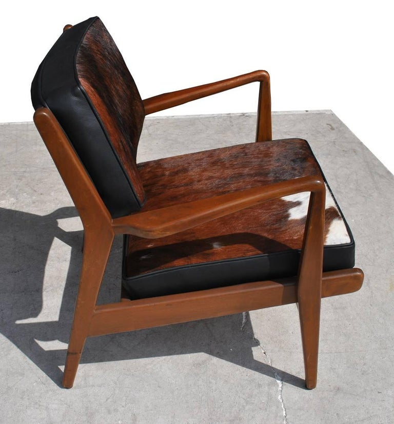 Pair of Vintage Midcentury Restored Jens Risom Lounge Chairs In Excellent Condition For Sale In Pasadena, TX