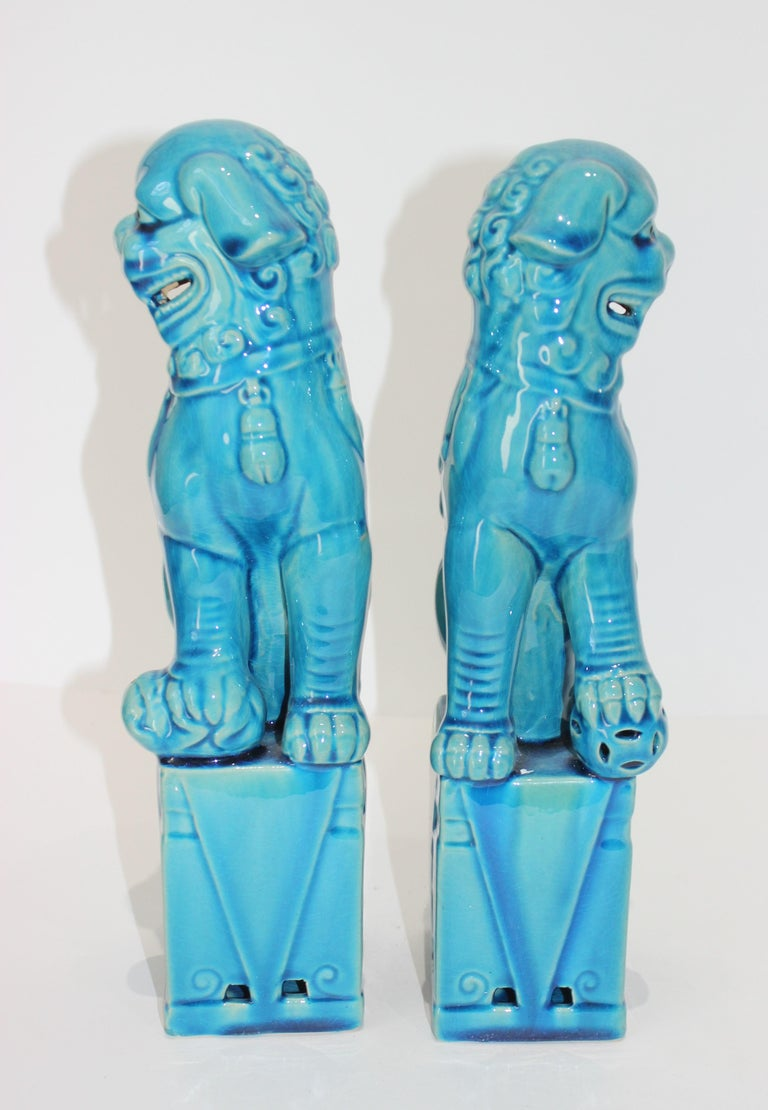 Chinoiserie Pair of Vintage Peking Blue Glazed Foo Dogs For Sale