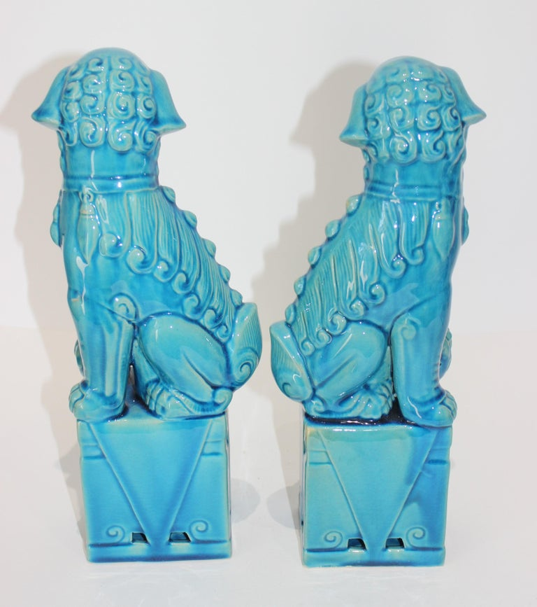 Pair of Vintage Peking Blue Glazed Foo Dogs In Good Condition For Sale In West Palm Beach, FL