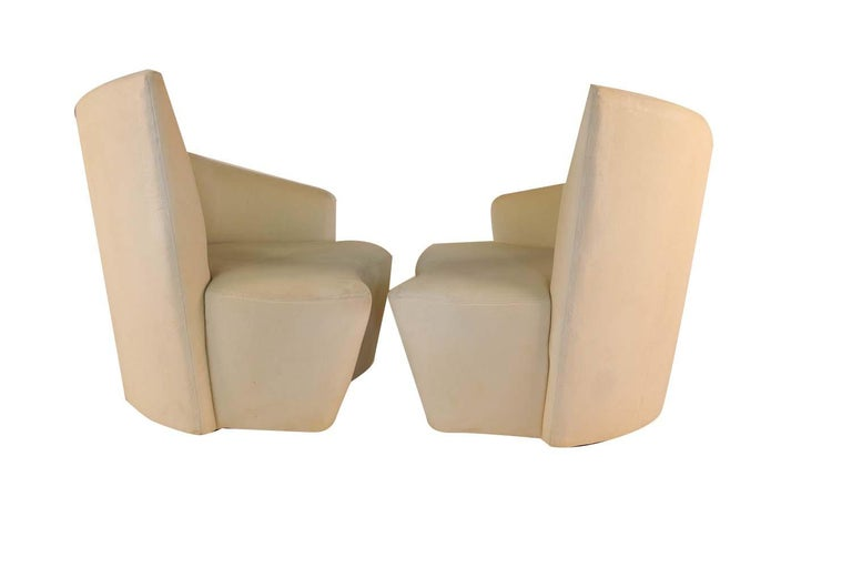 Late 20th Century Pair of Vladimir Kagan Weiman Preview Bilbao Swivel Lounge Chairs For Sale