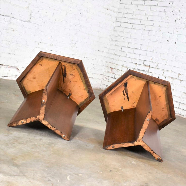 Pair Walnut Stained Hexagon Side Tables Style of Frank Lloyd Wright for Henredon For Sale 3