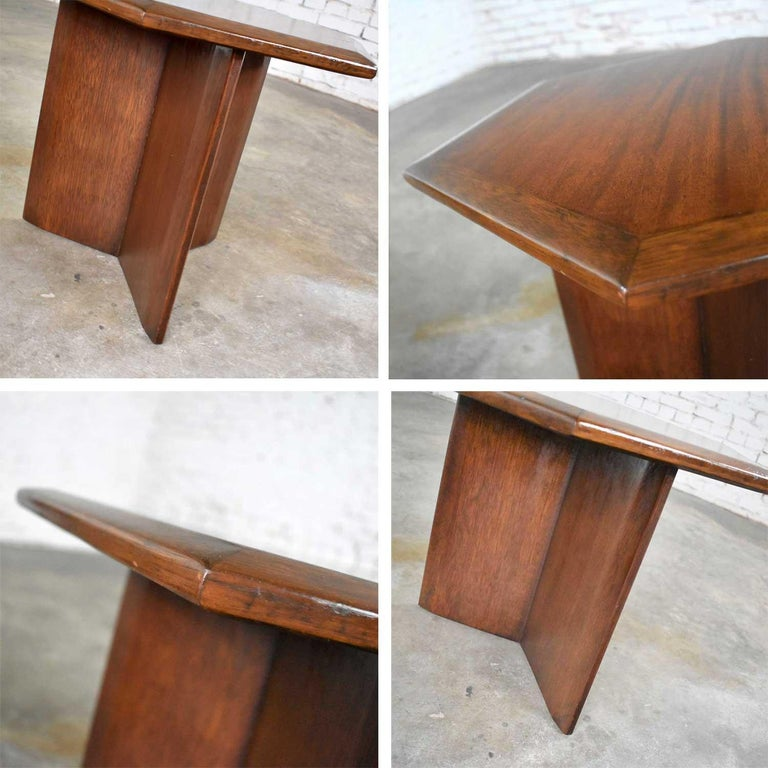 Pair Walnut Stained Hexagon Side Tables Style of Frank Lloyd Wright for Henredon For Sale 2