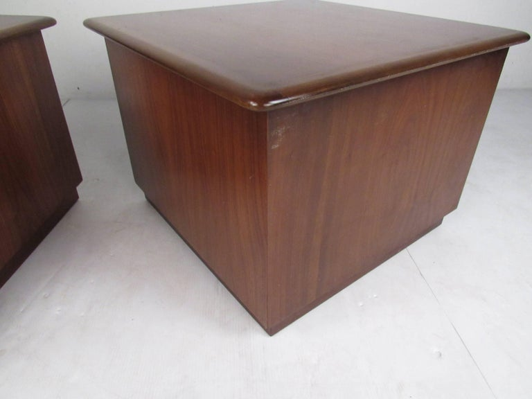 Pair of Warren Church End Table Cabinets for Lane For Sale 7