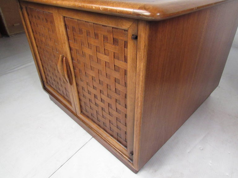 Pair of Warren Church End Table Cabinets for Lane For Sale 8