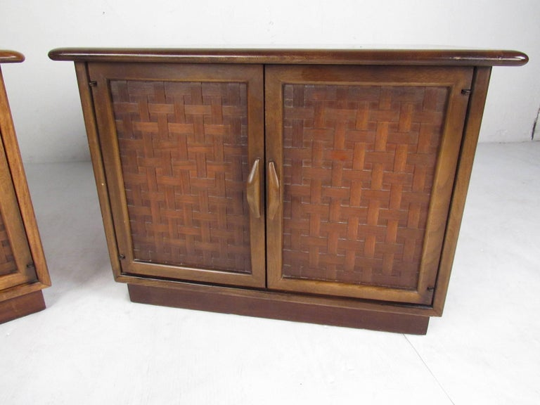 Pair of Warren Church End Table Cabinets for Lane In Good Condition For Sale In Brooklyn, NY