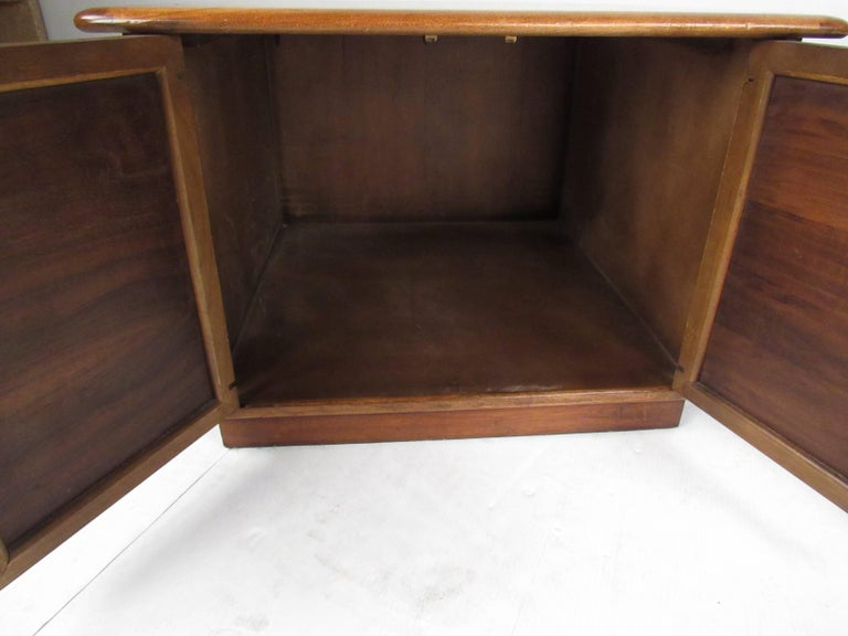 Late 20th Century Pair of Warren Church End Table Cabinets for Lane For Sale