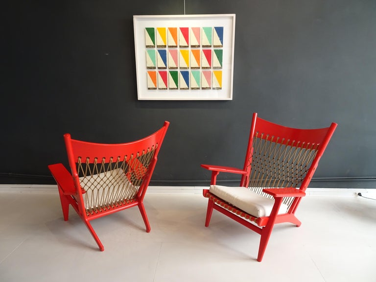 Scandinavian Modern Pair of Web Lounge JH 719 Chairs by Hans Wegner For Sale