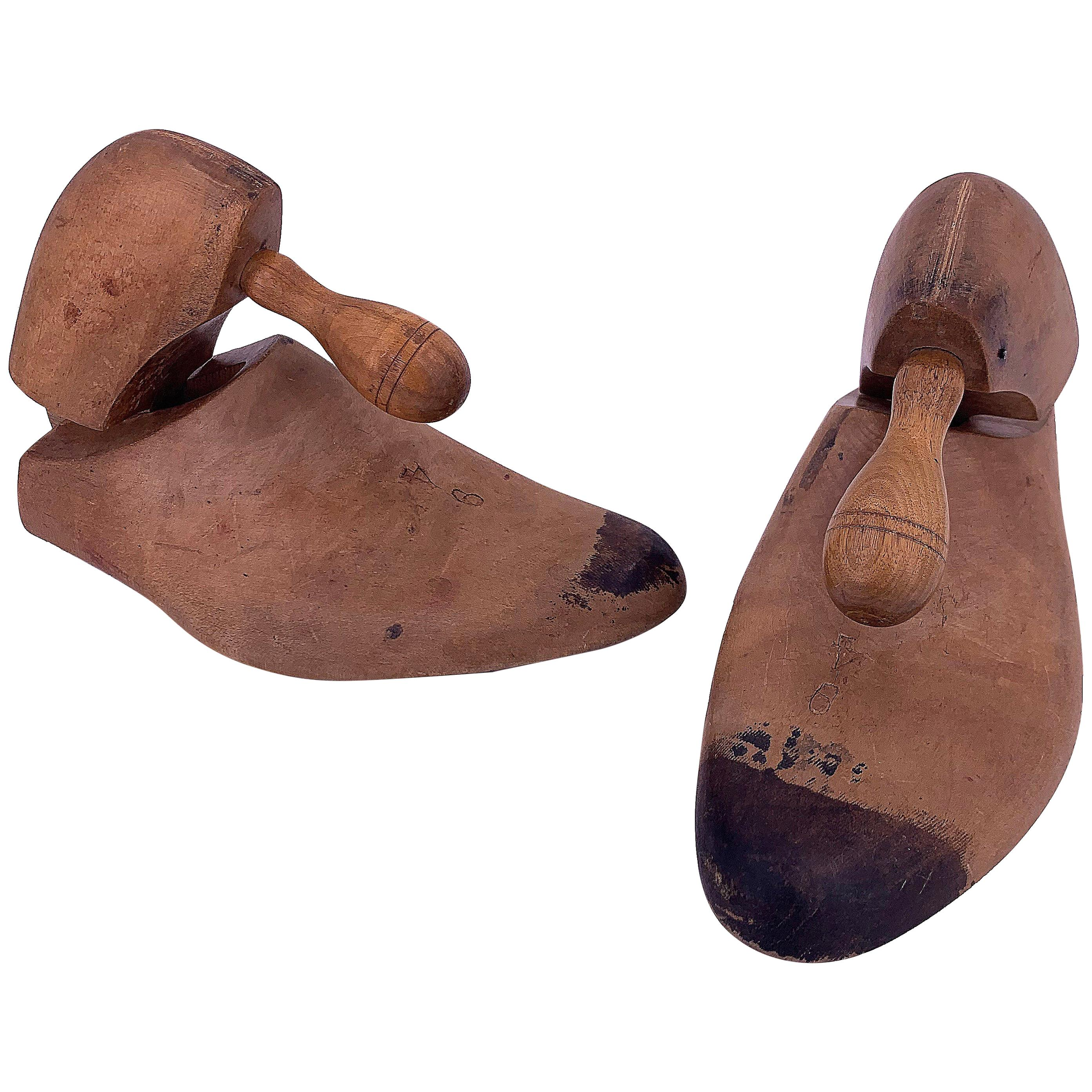 Pair of Wood Shoe Mold
