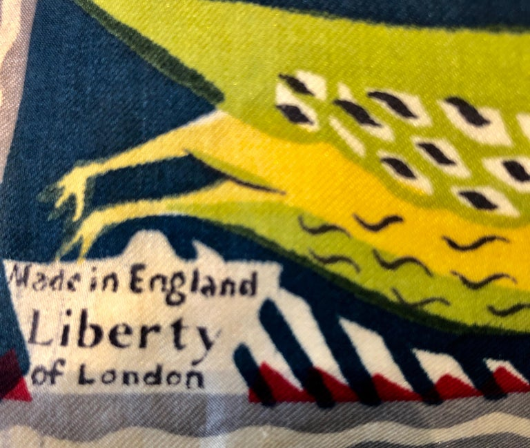 Linen Paire of Cushions, Owls and Birds Pattern Silk Liberty & Co, London, 1950s For Sale