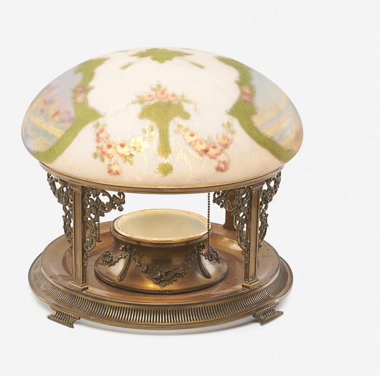 Pairpoint table lamp, exceedingly rare piece, platner base ring holder, Vienna shade, Seascape and New England village featuring Vienna Shade, Signed, C3072 Serial number. Documented (see below). USA, circa 1910. Obverse- and reverse-painted