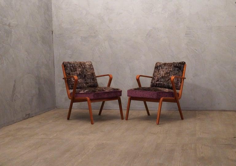 Pairs of Midcentury Violet Velvet Italian Armchairs, 1950 For Sale 5