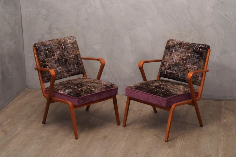 Pairs of Midcentury Violet Velvet Italian Armchairs, 1950 For Sale 6