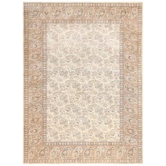 Paisley Design Antique Turkish Sivas Carpet. Size: 7 ft x 9 ft 8 in