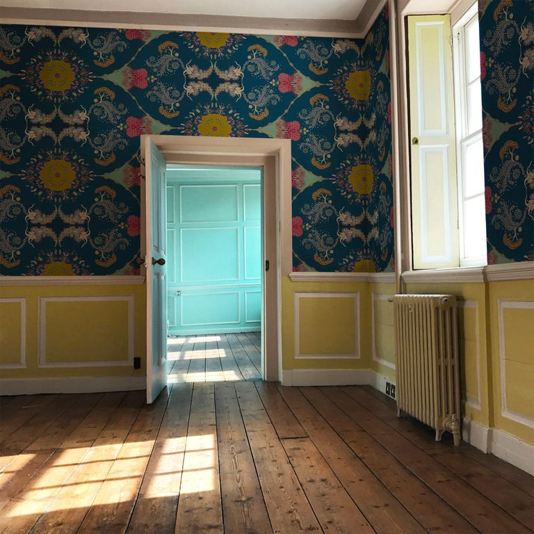 Paisley Paramecium Wallpaper in Olive In New Condition For Sale In Kent, GB