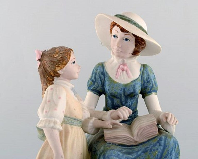 PAL, Spain. Large sculpture in glazed ceramics. Mother with daughter. 1980s. Measures 31 x 21 cm. In very good condition. Stamped.