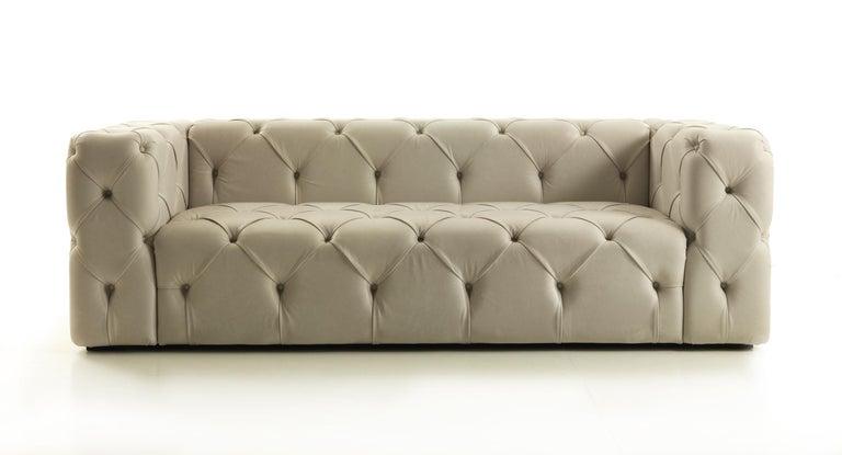 Italian Palatino Capitonnè Sofa in Pearl Leather For Sale