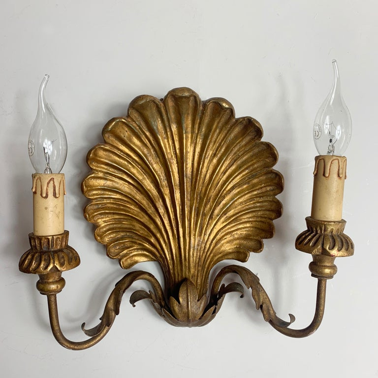 Palladio Italian Gilt Wooden Shell Wall Lights, 1950s For Sale 4