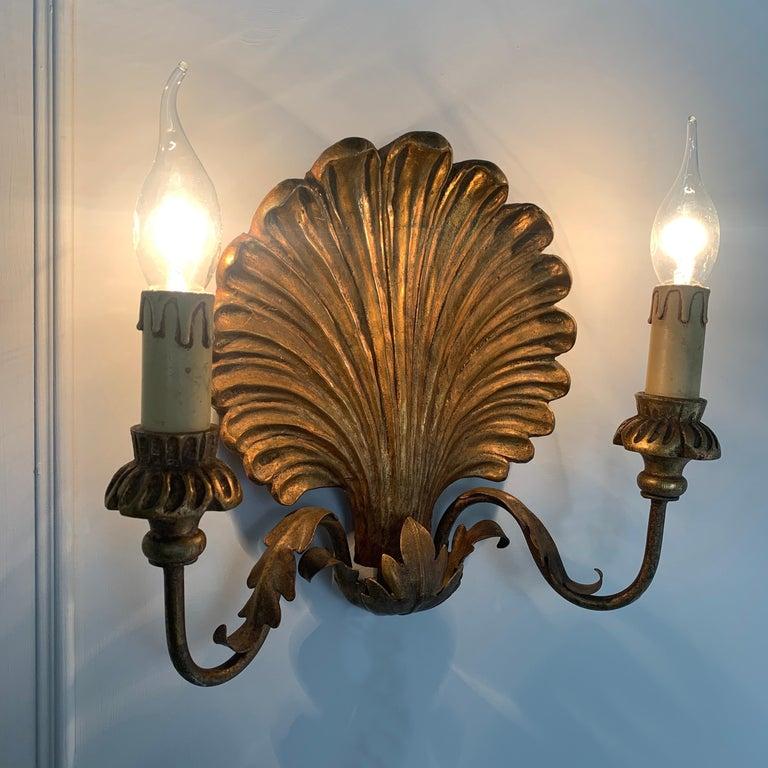 Palladio Italian Gilt Wooden Shell Wall Lights, 1950s For Sale 1