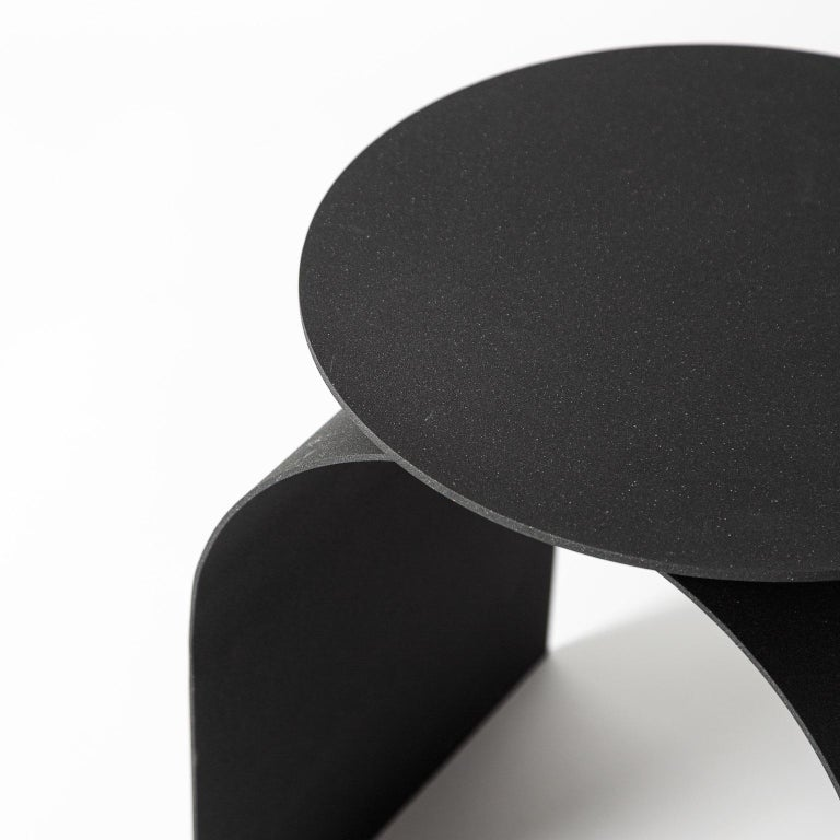 The architectural essentiality of the stools derives from the neoclassic attitude of Palladio. A sheet of metal thin as air draws the shape of this timeless product. A disc projecting shadows on an arch is the essential gesture behind this timeless