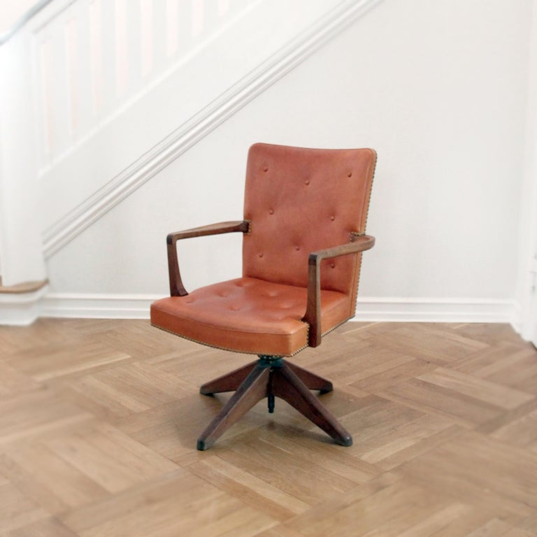 Palle Suenson & Jacob Kjær - Scandinavian Modern  A rare executive desk chair by Danish Modenist Architect Palle Suenson (1904-1987) and cabinetmaker Jacob Kjær (1896-1957) a special order for the executive offices in Burmeister & Wain in