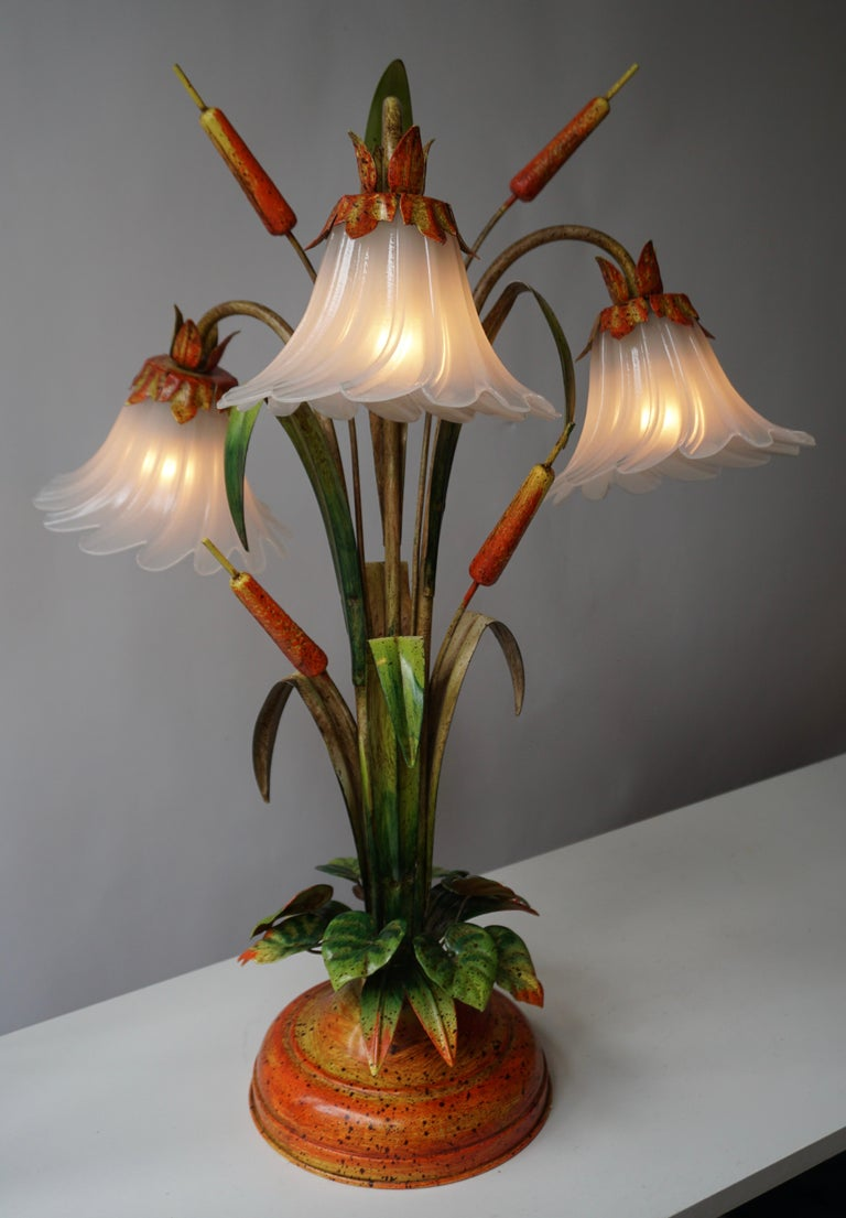 Hollywood Regency Palm Tree-Form Tole Painted and Glass Floral Lamp For Sale