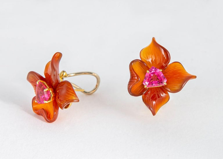 Paloma Picasso for Tiffany & Co. Carved Carnelian and Tourmaline Earrings In Excellent Condition For Sale In Atlanta, GA