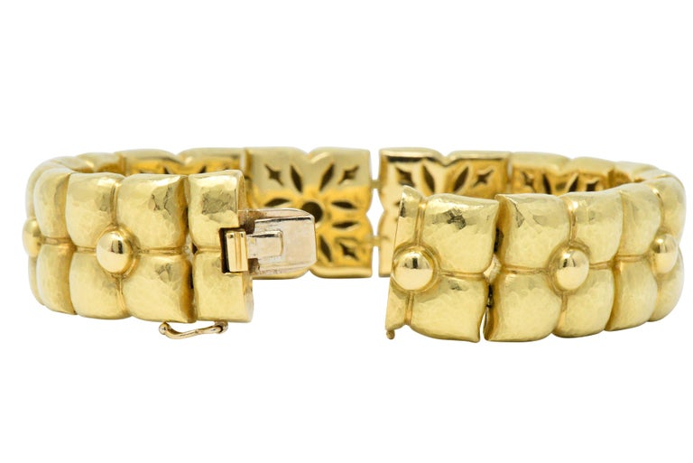 Paloma Picasso Tiffany & Co. 18 Karat Gold Bracelet with Pouch In Excellent Condition For Sale In Philadelphia, PA