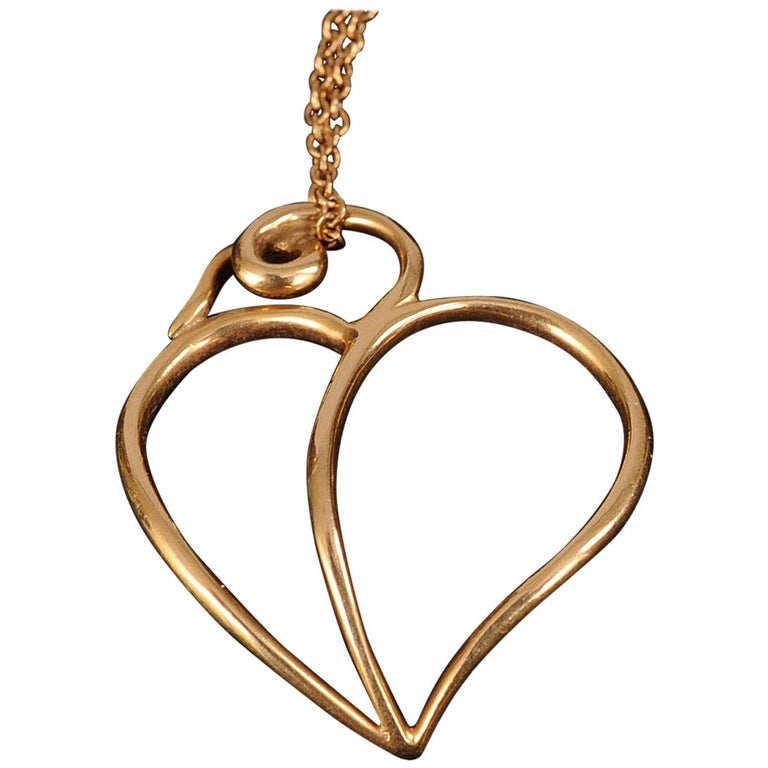 Paloma Picasso Tiffany & Co 18k Gold Heart Pendant and Chain For Sale