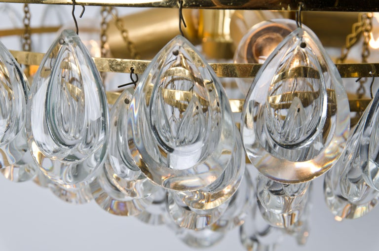 Palwa Chandelier, Gilded Brass and Faceted Crystal, 1960s For Sale 4