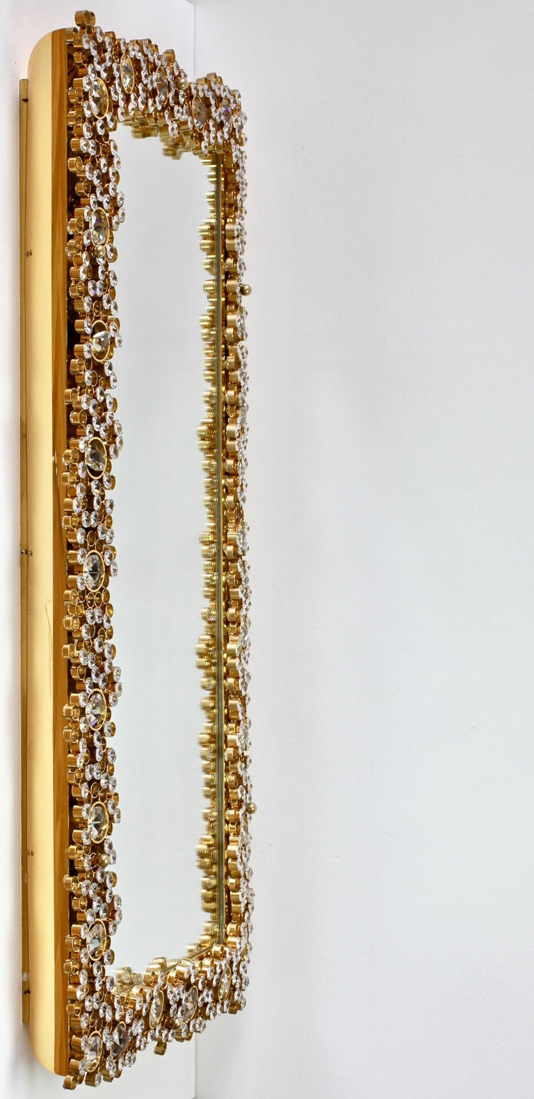 Palwa Extra Large Backlit Wall Mirror with Gilt Brass & Cut Faceted Crystals For Sale 1