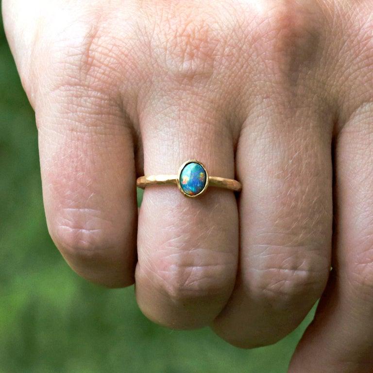 Artisan Pamela Froman Gem Lightning Ridge Black Opal Hammered Gold Solitaire Ring For Sale