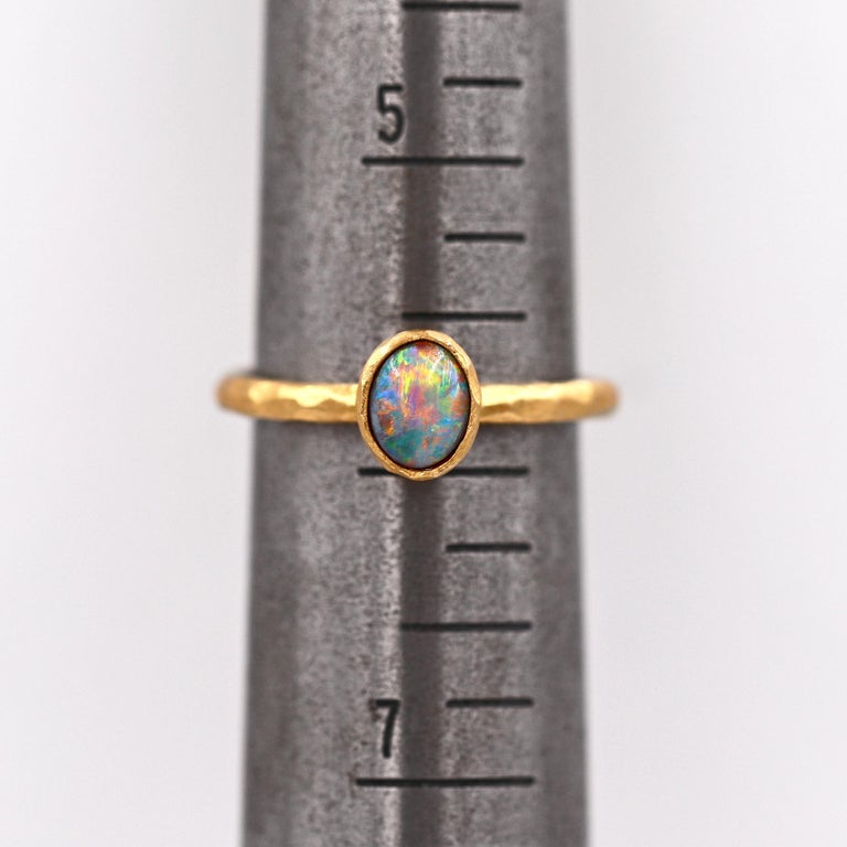 Pamela Froman Gem Lightning Ridge Black Opal Hammered Gold Solitaire Ring In New Condition For Sale In Dallas, TX