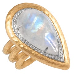 Kaiserin-Ring von Pamela Froman mit Regenbogen-Mondstein und weißen Diamanten, Unikat
